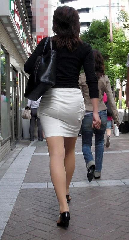 img 5fa9085631e13 - 【OL街撮り画像】今日もどデカい尻でオフィス街を歩く美人なOLさんの後ろ姿【34枚】