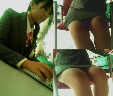 img 5fb50c91e8b38 - かわいらしく内股で座るタイトスカートのOLさんを真正面から撮った画像がこちらwww