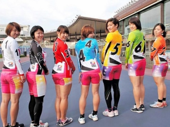 img 5fb9093fa280b - これが顔より太ももの世界だ。女子競輪選手のがっしりむっちりした太もも画像31枚