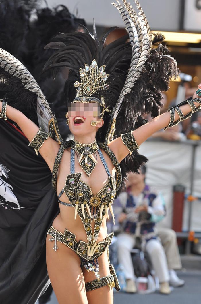 img 5fc8dae7c3486 - 少し物足りないボディで頑張って踊る日本のサンバダンサーがかわいい