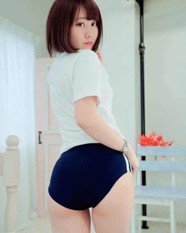 img 607f06d59ab56 - 【体操服】激エロもも尻女子たちによるブルマ着用画像集!