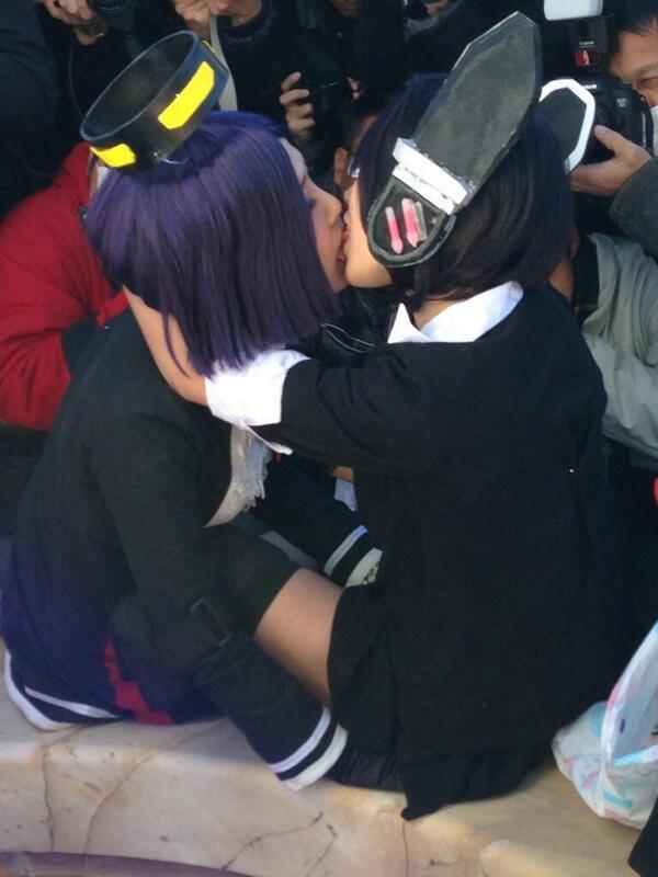 img 60bab969b39e7 - 【レズキスエロ画像】女の子って友達同士でふつうにキスするよね。