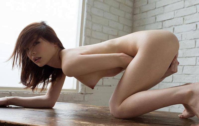 img 610b97238efb6 - 【四つん這い】デカい尻とエロい顔で誘ってくる女の子のエロ画像【裸】